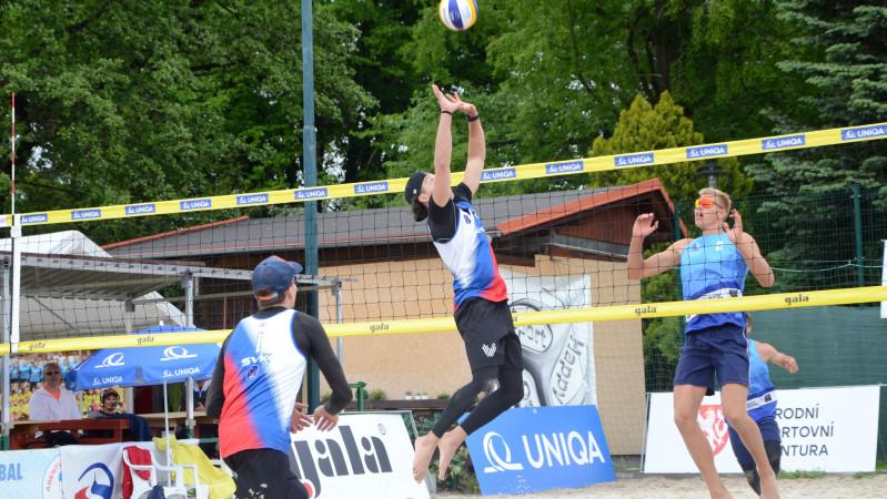 Foto: Naši hráči SKV se parádně ukázali na písku v Opavě…