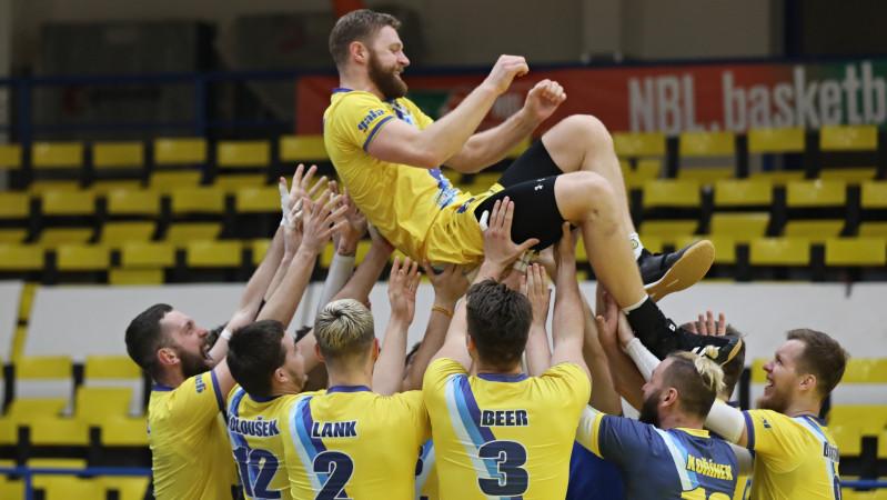 Foto: Na slovíčko - Lars Bornemann po utkání s Black Volley Beskydy